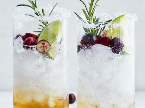 Mistletoe mocktail