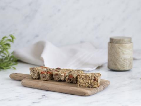 Homemade granola bars van Floom