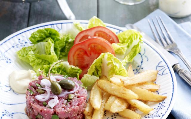 Steak tartaar met verse frieten