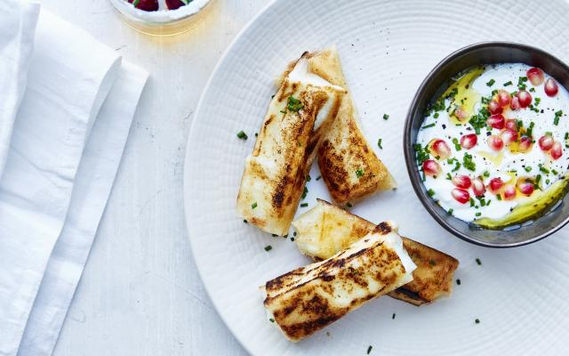 Feta-honingsticks in filodeeg