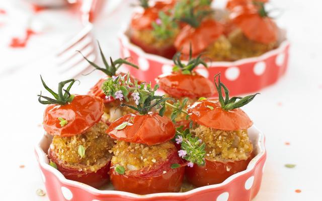 tomates farcies la classique cuisine et recettes recette femmes d aujourd hui d lices. Black Bedroom Furniture Sets. Home Design Ideas