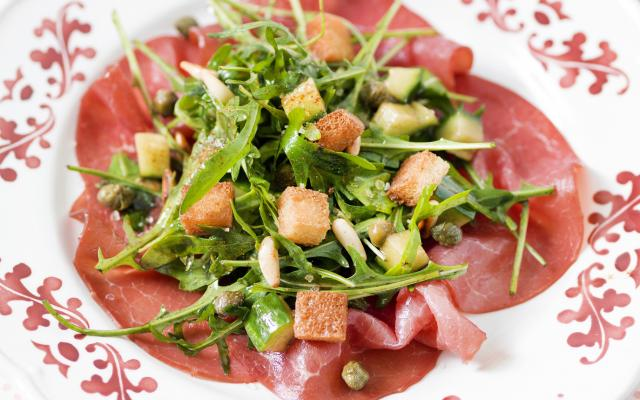 Salade met carpaccio van filet d'Anvers