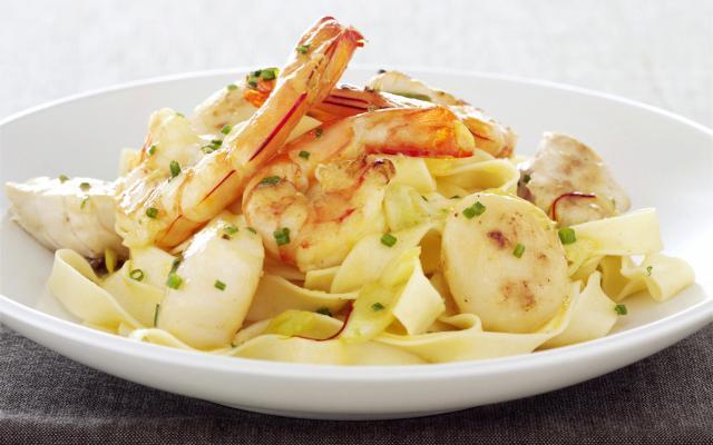 spaghetti zeevruchten roomsaus