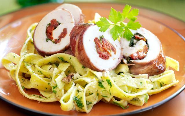 gevulde pasta met pesto