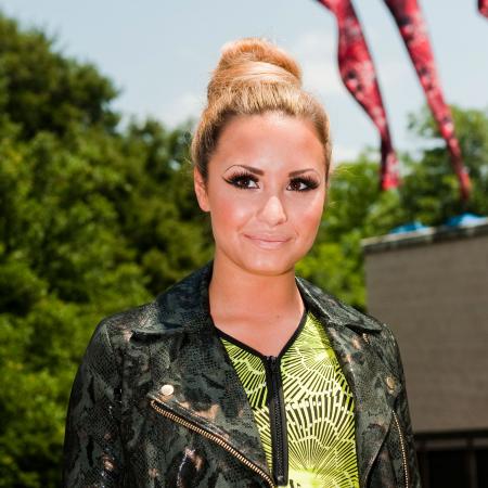 Demi Lovato, 2012