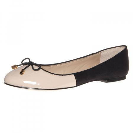 Ballerina's van Buffalo – € 49,95