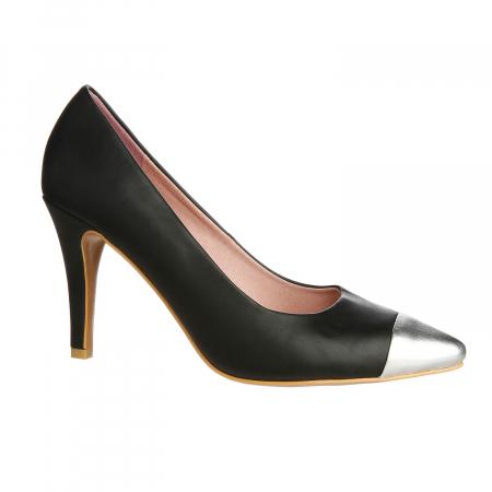Zwarte pumps – € 49,95