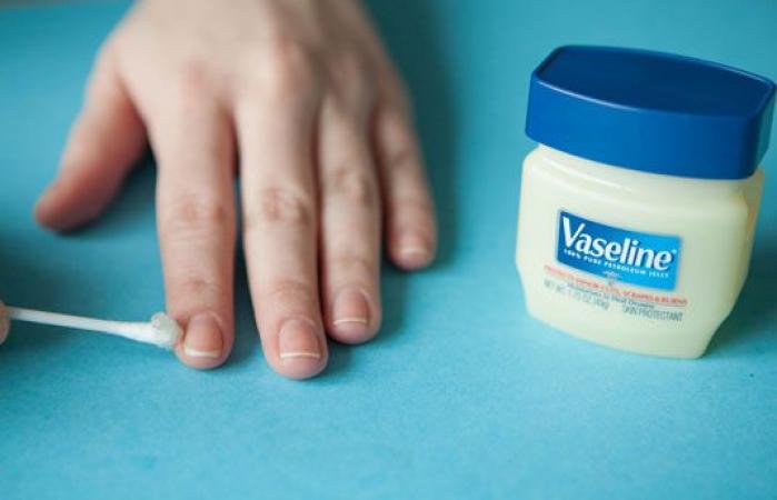Voorkom nagellak op je huid