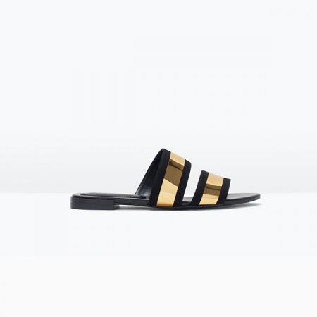Shiny sandaaltje