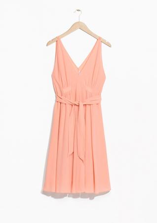 Sleeveless drawstring dress