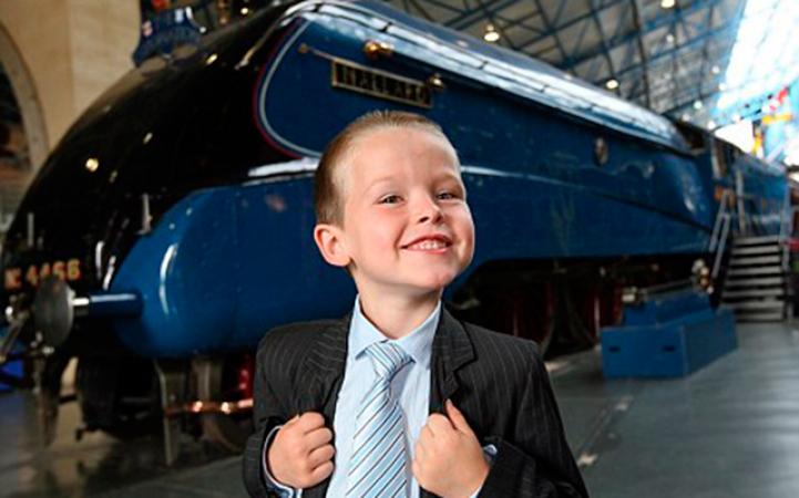 6. In 2009 solliciteerde een 6-jarig jongetje voor een job in een spoorwegmuseum en werd aangenomen als 'directeur van plezier'.
