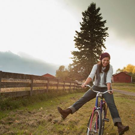 Rouler à vélo sans les pieds