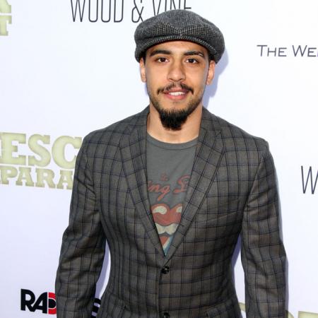 Victor Rasuk als José Rodriguez