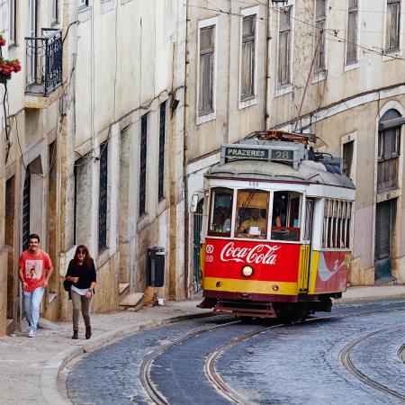 1. Lissabon (Portugal) – € 372 per maand