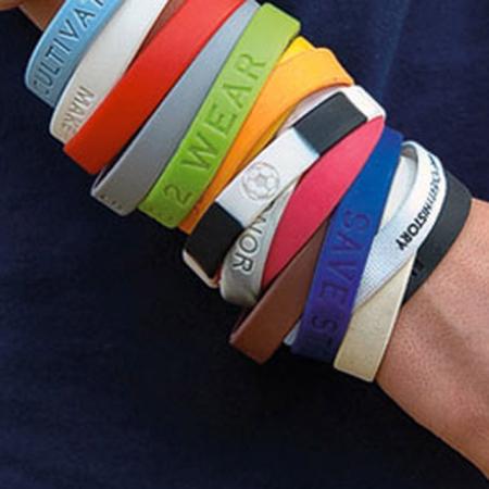 Armbandjes met een boodschap