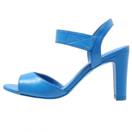 Blauwe sandalen met hoge hak