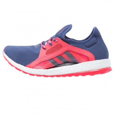 Blauw met roze loopschoenen