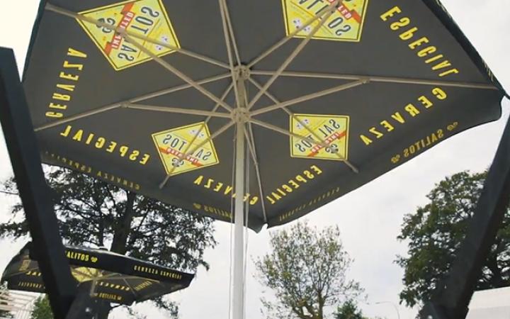 Leuke parasol ook.