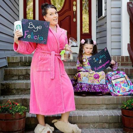 Ouders op de eerste schooldag van hun kinderen