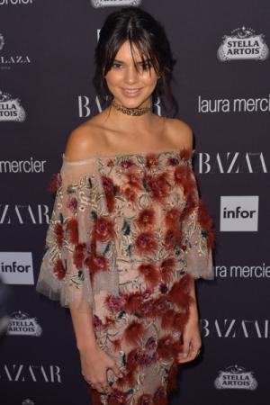 Kendall Jenner op een feestje van Harper's Bazaar