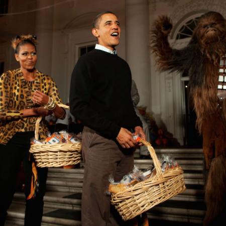 Les Obamas accueillent les enfants pour Halloween