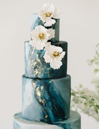 Door waterverf geïnspireerde bruidstaarten