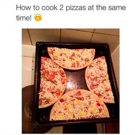 De geniale manier om twee pizza's tegelijkertijd te bakken.