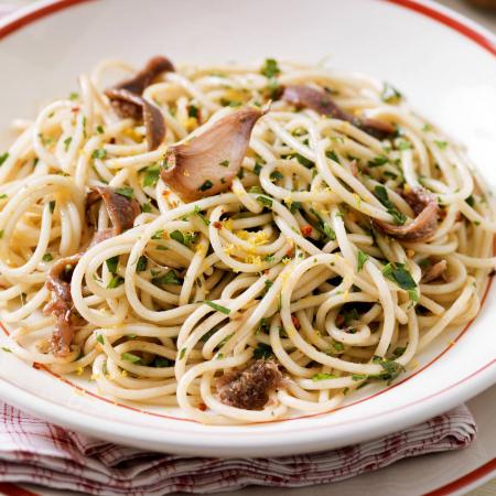 Vrijdag: spaghetti aglio, olio e peperoncino