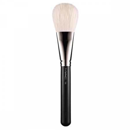 135 Large Flat Powder brush