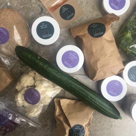 De 100% biologische ingrediënten werden nauwkeurig voor je afgewogen en zitten in handige biologisch abreekbare verpakkingen.