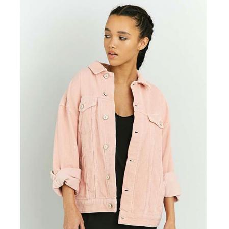 Roze ribfluwelen jas