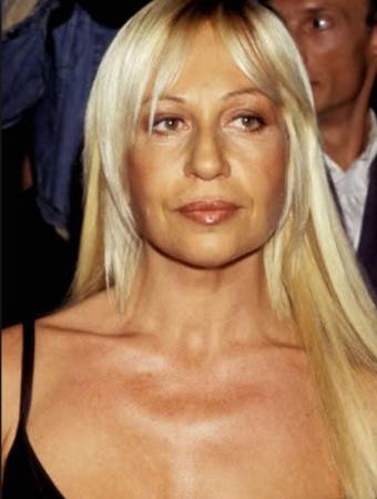 Modeontwerpster Donatella Versace VOOR