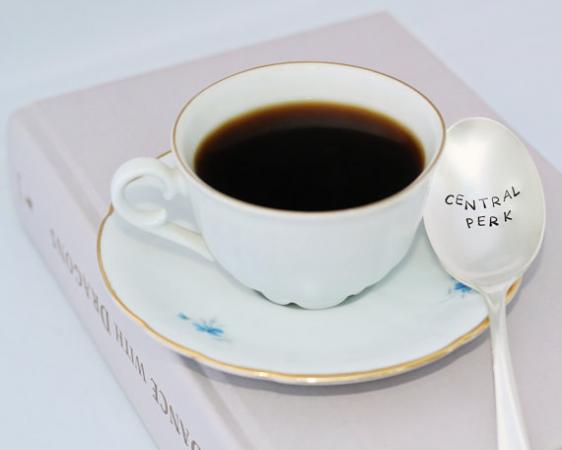 Een koffielepel van de tofste koffiebar ever. Etsy – 12,88 euro