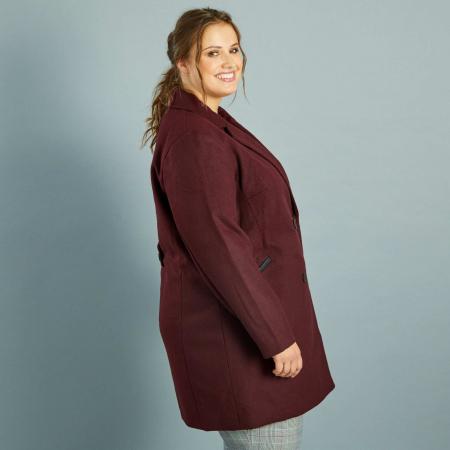 Manteau de couleur burgundy