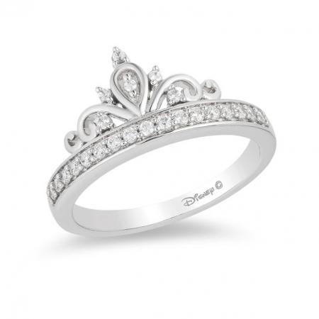 Ring met tiara