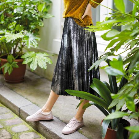 La jupe plissée métallique (argentée en particulier cette année!)