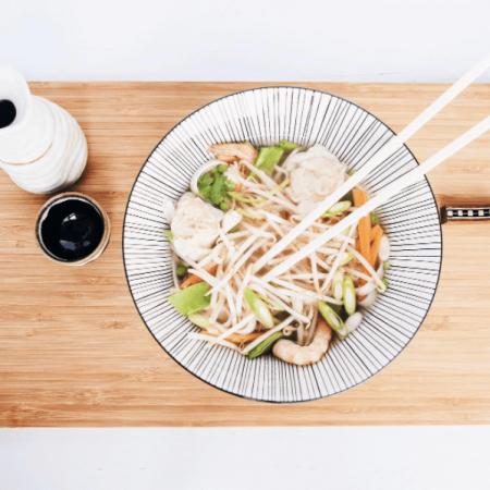 Le bouillon de légumes thaï