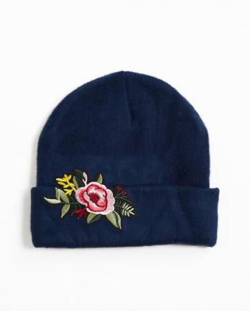 Bonnet avec écusson floral