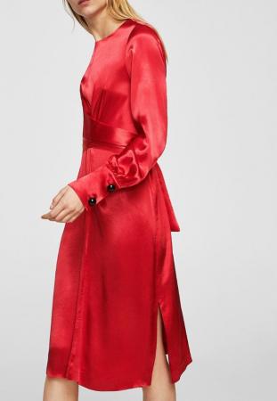 Robe satinée rouge vif