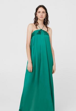 Longue robe satinée couleur émeraude