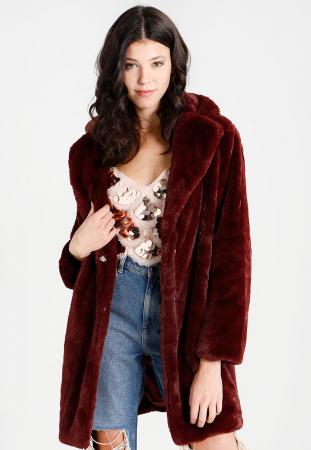 Januari: een faux fur jas