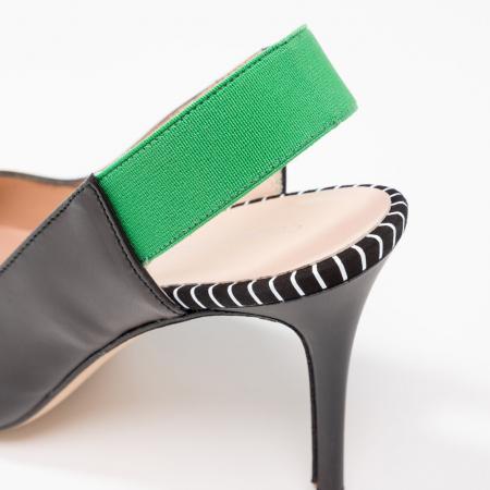 Slingback noire avec élastique vert