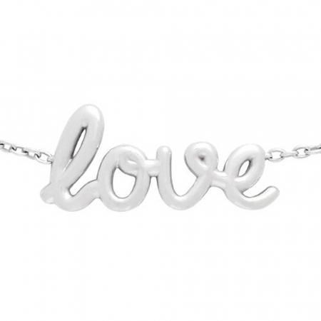 Een armband met <em>Love</em>