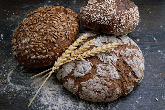 Du pain complet aux céréales