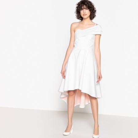 Witte bruidsjurk met blote schouder en asymmetrische boord