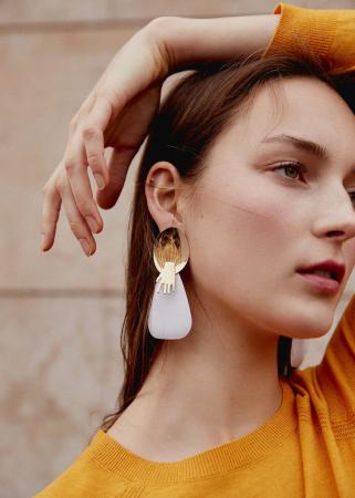 Goudkleurige oorbellen met gecombineerde hangers