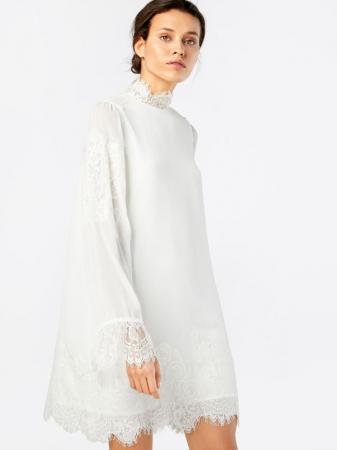 Witte jurk met opstaande kraag en kanten details 'Louna'