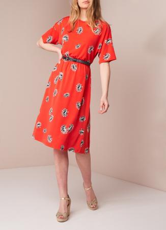 Oranjerode jurk