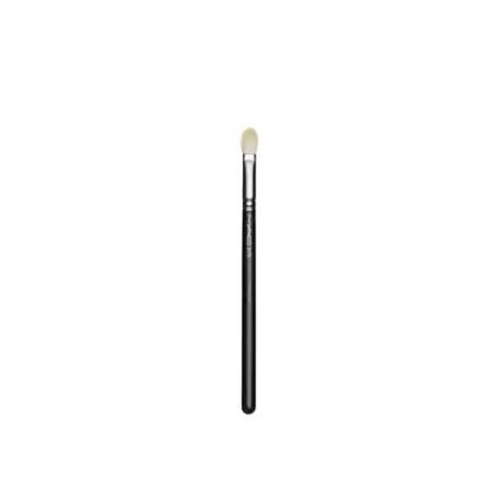 M.A.C Cosmetics – Blending Brush