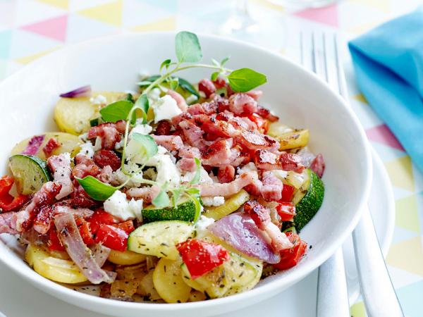 Woensdag: eenpansgerecht met aardappel, feta en krokante spekblokjes